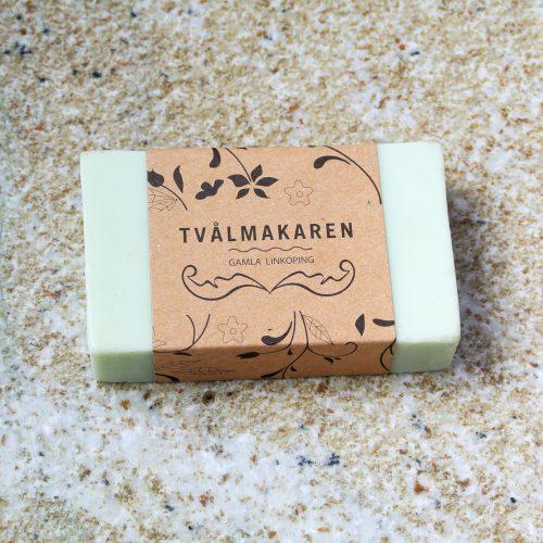 Svensk ekologisk handgjord tvål med fräscha citrusdofter och mjukgörande egenskaper.
