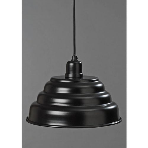 Taklampa i svart plåt. Diameter 26 cm. E27, max 60W.