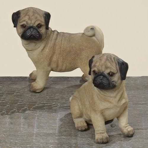 Dekorativ hund i polyresin, höjd 11 cm. Välj mellan stående och sittande hund.