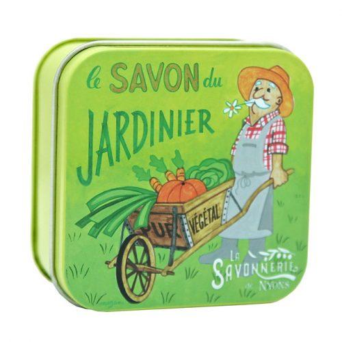 Fransk trädgårdstvål som rengör även de jordigaste händerna på ett skonsamt sätt.