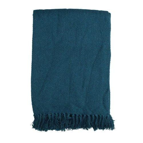 Mysig pläd i en härlig blå nyans, tillverkad i 100% återvunnen bomull. Mått 130x170 cm.