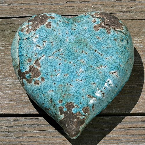 Dekorativt hjärta i celadongrön keramik. Mått 15x15x6 cm.