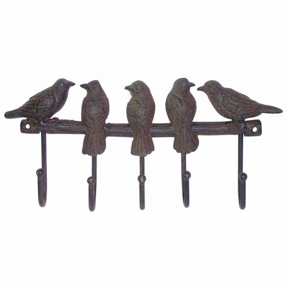 Hängare i gjutjärn med dekor av fåglar på rad. Mått 32x15 cm.