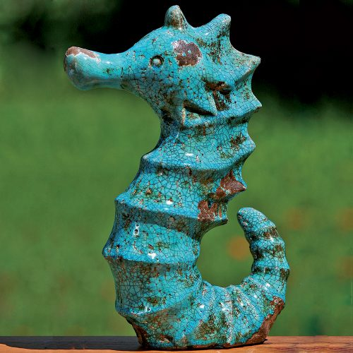 Dekorativ sjöhäst i celadongrön keramik. Höjd 35 cm.