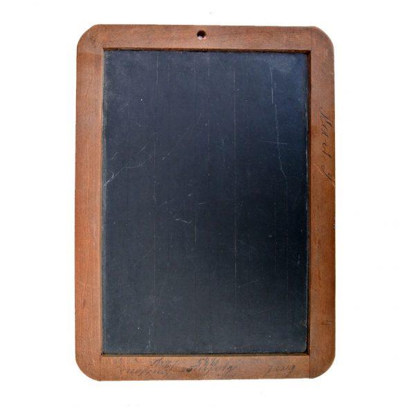 Äldre skrivplatta/blackboard från 30/40-talet.