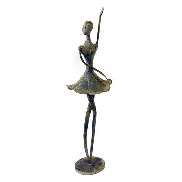 Dekorativ ballerina i metall.Mått 23x12,5x76 cm.