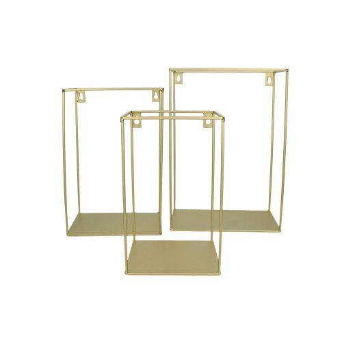 Vägghylla i stilfull matt guldfärgad metall. Välj mellan tre olika storlekar (hxbxd).
