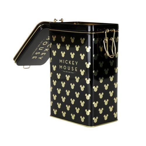 Kaffeburk i plåt med Mickey Mouse motiv i svart och guld. Burken har ett tättslutande lock med gångjärn och rymmer 500 gram kaffe. Mått 12x20x8 cm (bxhxd). Handdisk rekommenderas.