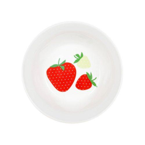 Skål i keramik med härligt jordgubbsmönster. Skålen rymmer 5 dl och tål mikrovågsugn och maskindisk. Diameter 16 cm, höjd 5,5 cm.